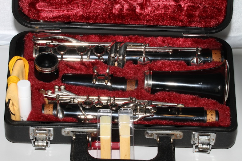 Yamaha c100 black clarinet an oldie but a goodie used for Yamaha beginner clarinet